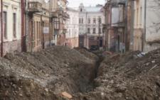 «На вулицю неможливо вийти»: мешканці Переяславської обурені станом вулиці (фото)