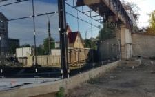 У Чернівцях на кінотеатрі Миколайчука встановили вітражі (фото)