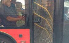 У Чернівцях хлопчик навмисне розбив скло в тролейбусі (фото)