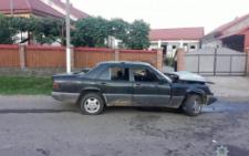 На Буковині п'яний водій на швидкості врізався у бетонний міст, є постраждалі (фото)