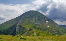 У горах на Прикарпатті травмувався чернівчанин: отримав опіки нижніх кінцівок та тазу