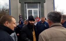 На Буковині в Рингачі посварилися прихильники ПЦУ та УПЦ МП
