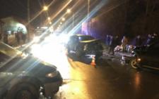 У Чернівцях на вулиці Руській сталася потрійна ДТП (фото)