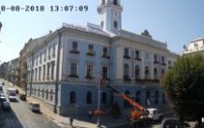 У Чернівцях невідомий на автовишці проник до кабінету міського голови (відео)