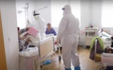 «Це більше схоже на пекло»: лікарка з Чернівців розповіла про COVID-хворих у лікарні