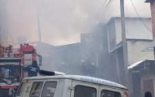 У Чернівцях на Лохвицькій спалахнув гараж: пожежу вдалось локалізувати (фото)