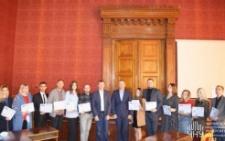 У ЧНУ молодим вченим вручили сертифікати на стипендії у криптовалюті