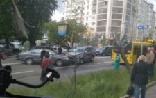 На Героїв Майдану у Чернівцях зіткнулися п'ять автомобілів