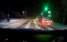 На Буковині п'яний водій врізався у легковик і втік з місця ДТП (відео)
