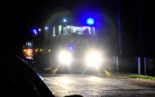 На Буковині перехожий врятував від вогню дві будівлі і автівку (фото+відео)