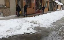 У Чернівцях дівчина зламала тазову кістку через неприбраний з тротуару сніг