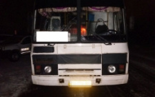 На Буковині рейсовий автобус збив пішохода: у чоловіка серйозна травма голови