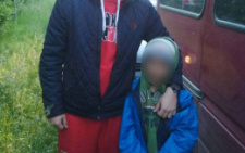 На Буковині батько покинув 8-річного сина вночі у лісі, бо запідозрив у крадіжці