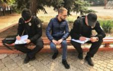 У Чернівцях викладачка вишу кидалася на камеру та назвала журналіста «шизофренічним» (фото+відео)