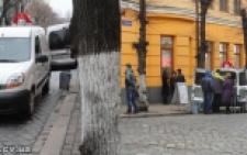 Тіньові автокав'ярні в Чернівцях і хто за цим стоїть? (фото+відео+документи)