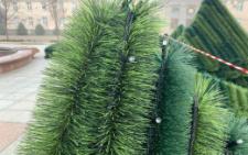 Чернівці збираються придбати штучну новорічну ялинку за 800 тисяч гривень
