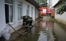 У Чернівцях через зливу підтопило підвали та присадибні ділянки (фото)