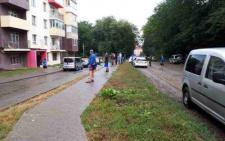 У Чернівцях на Рівненській загинув хлопець, випавши з 7-го поверху (фото)