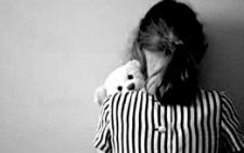 На Буковині на 6 років засудили чоловіка, який розбещував свою дочку