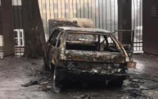 У Чернівцях невідомий чоловік підпалює автівки на парковках