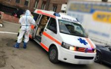У Чернівцях патрульні допомогли доставити до реанімації важкохвору жінку