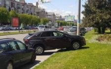 У Чернівцях оштрафували водійку, яка припаркувала