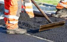 На Буковині посадовцям, які завищили ремонт дороги, оголосили про підозру