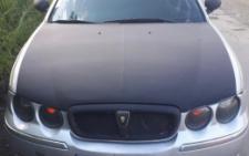 У Чернівцях поліція зупинила водія і виявила в машині зброю та наркотики (фото)