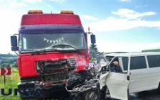 Троє буковинців загинули через зіткнення мікроавтобуса і вантажівки (фото)