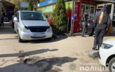 Поблизу Калинівського ринку мікроавтобус збив жінку