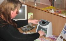 На Буковині касирку, що вкрала з депозитів клієнтів майже 140 тисяч гривень, засудили на три роки умовно