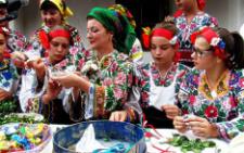У музеї під відкритим небом у Чернівцях пройшло свято «Осінь весільна» (фото)